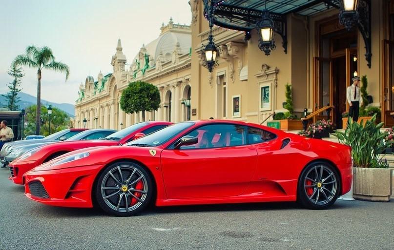 Как карликовое государство добивается наивысшего в мире ВВП на душу населения.  При слове «Монако» перед глазами возникают казино, кучи денег и спортивные автомобили. Но мало кто думает о том, как этот маленький город-государство стал магнитом для богачей.