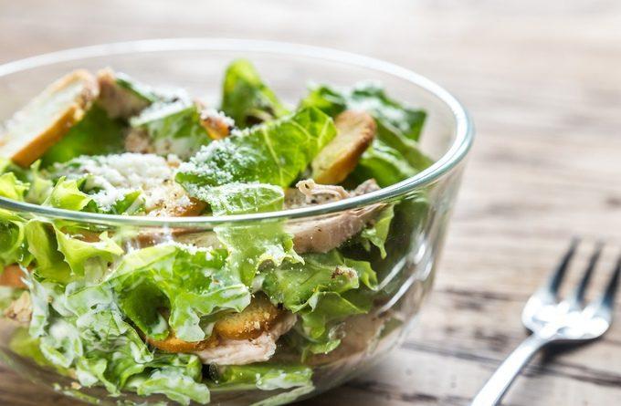 Экзотический салат «Нежность Цезаря»