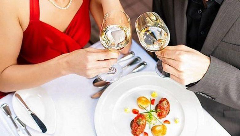 20 правил, которыми пользуются официанты. Будьте осторожны