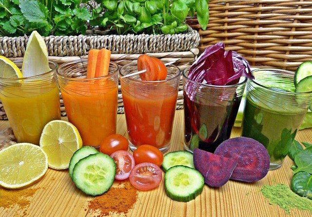 Чем полезны свежевыжатые соки?