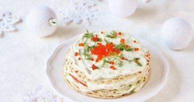 Закусочный торт из блинов с икрой