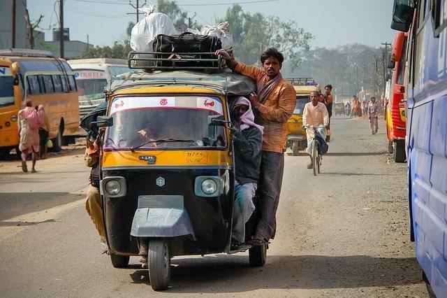 Индия вводит общенациональный карантин сроком на 3 недели