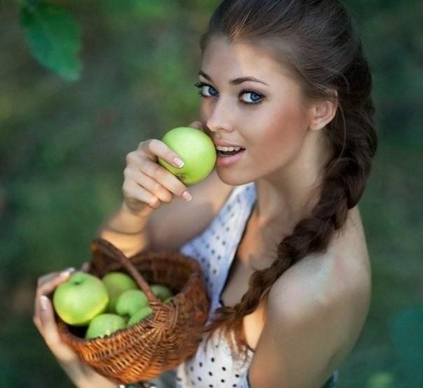 Какие продукты должны присутствовать в рационе красавицы?