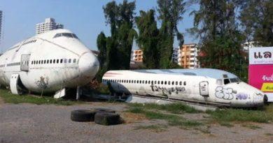 Кладбище заброшенных самолетов, в которых живут люди