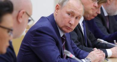 Конституционный переворот Путина находится в подвешенном состоянии