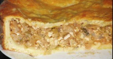 Простой пирог с капустой и яйцом