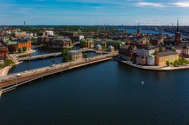 Шведы выбрали естественный отбор. Границы Швеции открыты