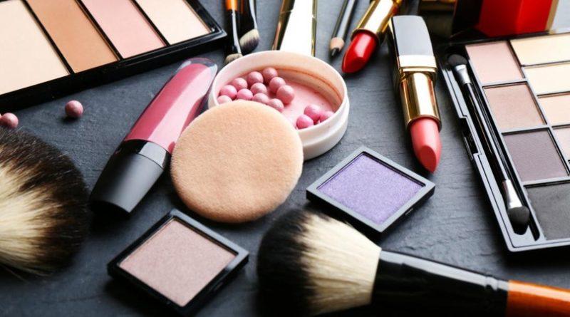 Топ-8 САМЫХ бесполезных косметических продуктов