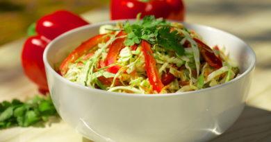 Капустный салат с перцем и морковью