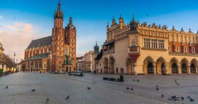 В Польше ослабляют карантинные меры