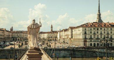 В Турине (Италия) возобновил работу рынок