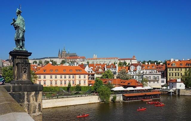 Чехия открыла границы с соседями, но пока с ограничениями