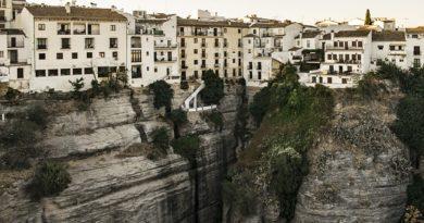 Испания ожидает иностранных туристов в июле