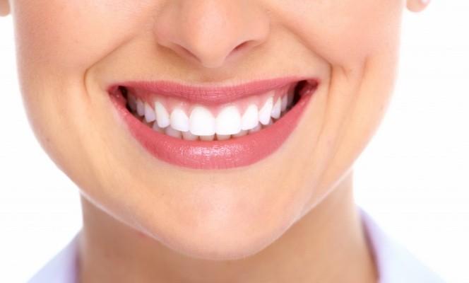Продукты, которые укрепляют и чистят зубы