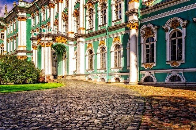 РФ: с 01.06.2020 начнем снимать ограничения для внутреннего туризма