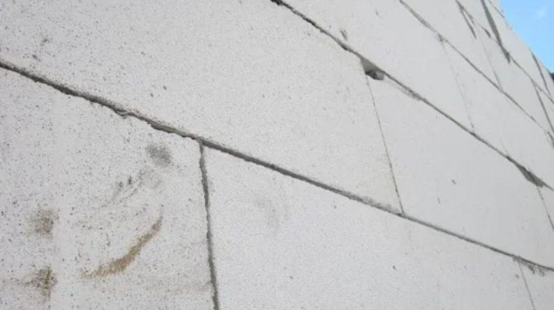 Трещины в газобетоне: раскол неминуем?