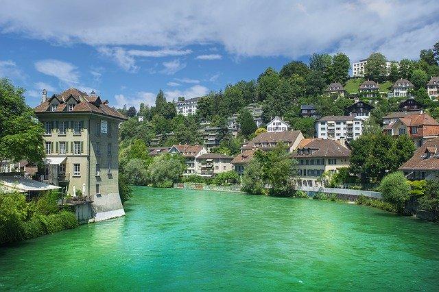 В Швейцарии не будут требовать от туристов тест на коронавирус
