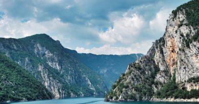 Черногория принимает туристов из 130 стран