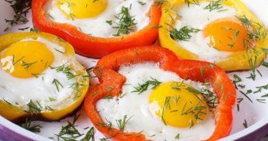 Глазунья (в кольцах болгарского перца) на завтрак