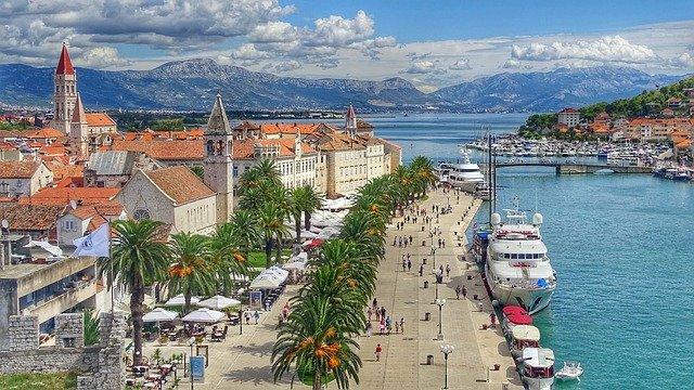 Хорватия приняла более 33 000 иностранных гостей