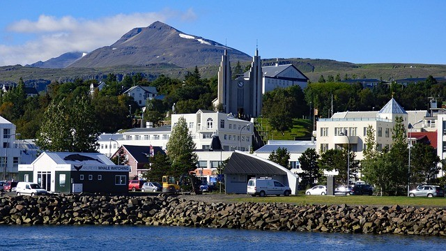 Термальные курорты Исландии — Акюрейри