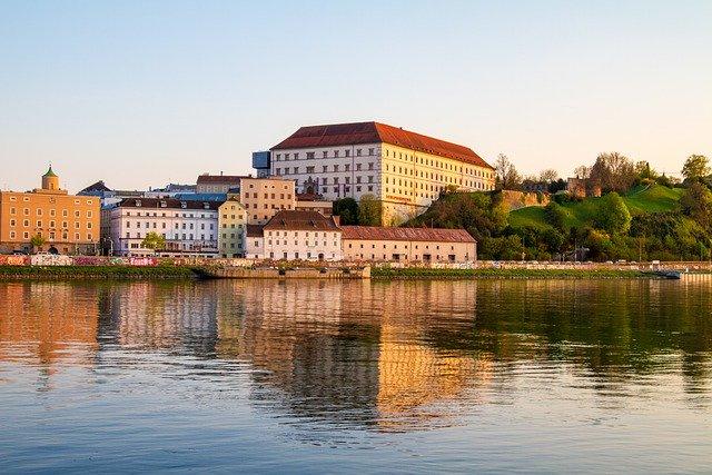 Австрия не намерена открывать свои границы для туристов третьих стран