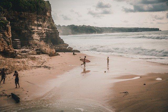 Бали будет принимать иностранных гостей с 11.09.2020