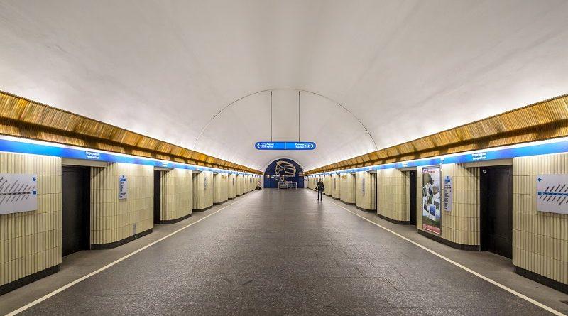 Где в питерском метро не падают на рельсы?