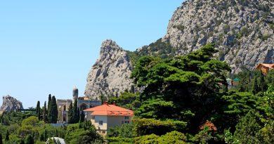 Курортный поселок Крыма — сказочный Симеиз