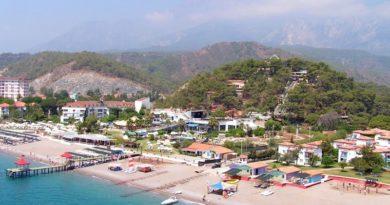 Пляжный отдых на море в курортной деревушке Чамьюва (Турция)