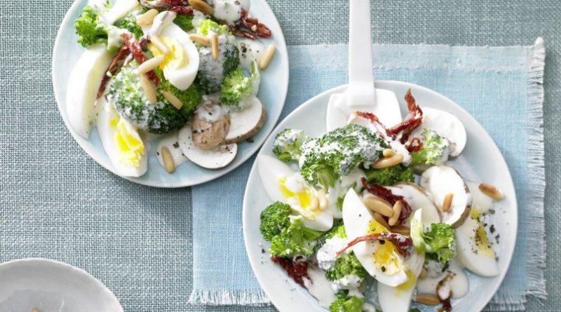 Салат из брокколи и яиц