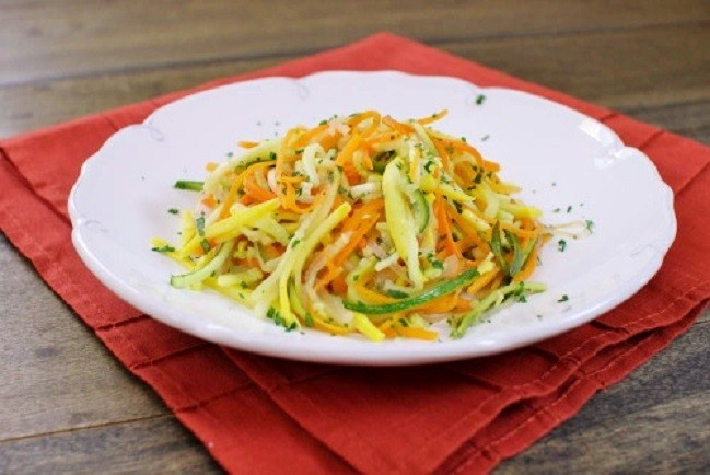 Салат из моркови и кабачков