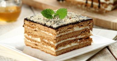 Торт Медовик с кремом из манки