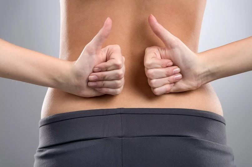 Три упражнения от боли в спине перед сном
