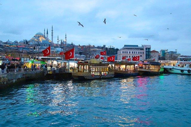 Турция на 2 недели закрылась для граждан Казахстана