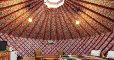 В Калмыкии австриец создал отель из юрт