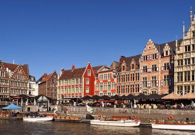 Вирусолог из Бельгии призывает туристов воздержаться от поездок