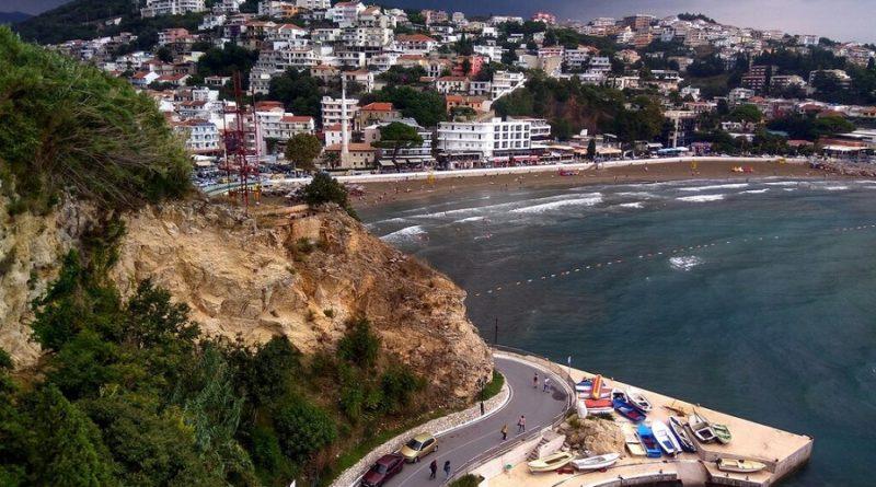 Город Ульцинь (Черногория) — пляжный отдых у подножья гор