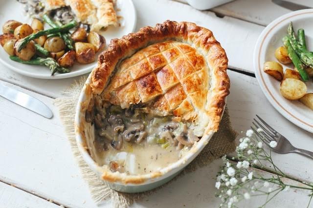 Пирог с грибами и луком-пореем