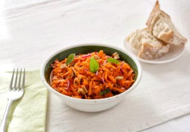 Салат из моркови с орехами