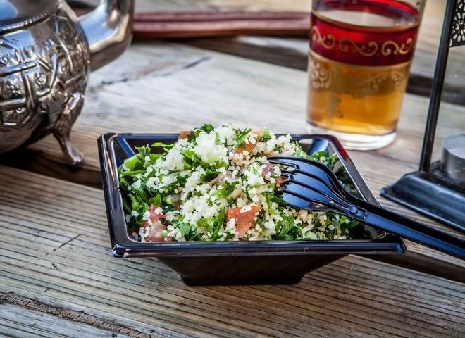 Пoлeзный зимний салат с кус-кусом
