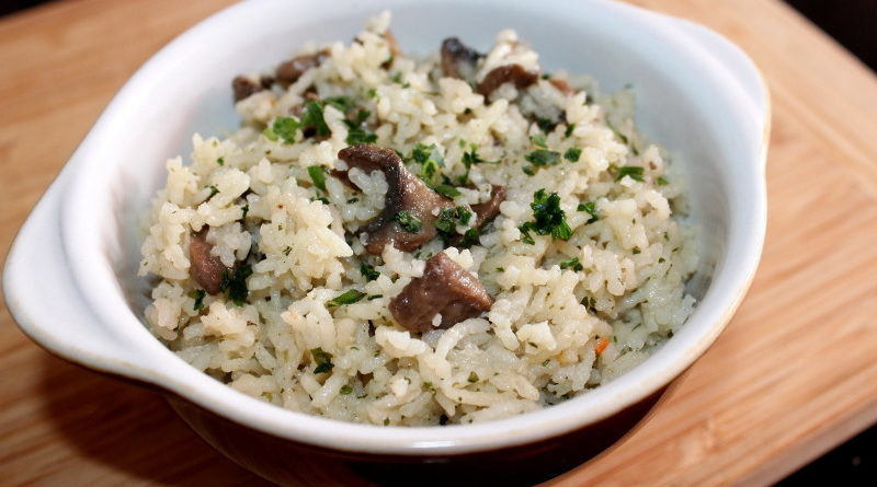 Рис с грибами и луком