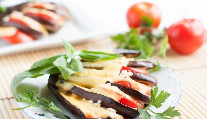 Баклажаны в духовке с сыром и помидорами