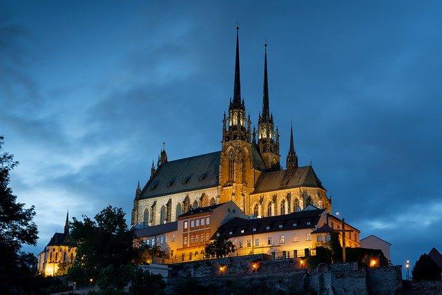 Чехия предлагает вакцинные туры в РФ