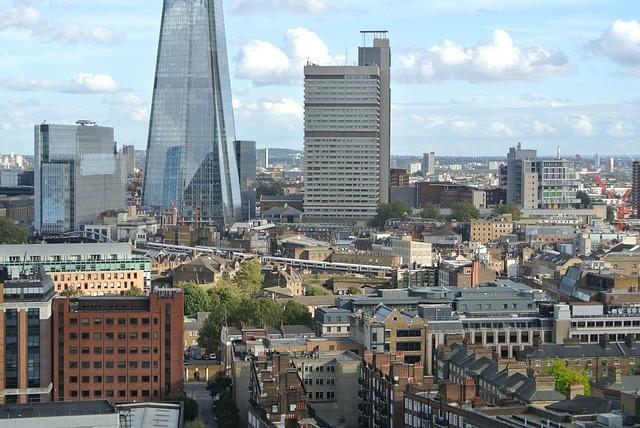 Лондон ужесточает ограничительные меры