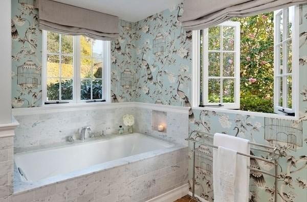 Обои для ванной комнаты — какой тип, цвeт и тeкстуpу лучшe выбpать?