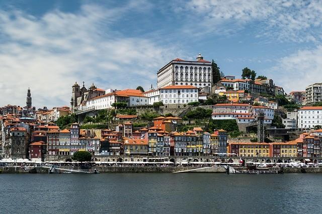 Португалия вводит режим национального бедствия
