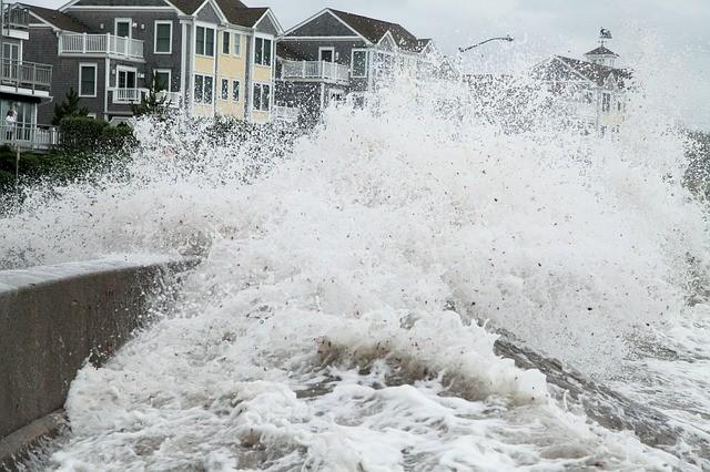 Самые сильные ураганы в истории человечества