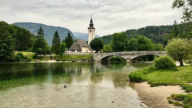 Словения будет принимать российских туристов без карантина