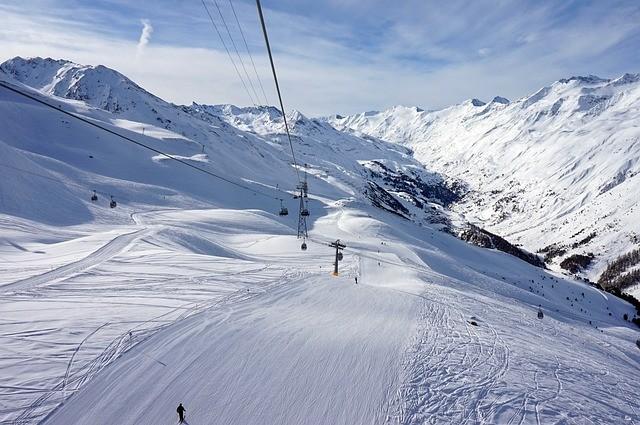 США: планируется открыть горнолыжные курорты для туристов